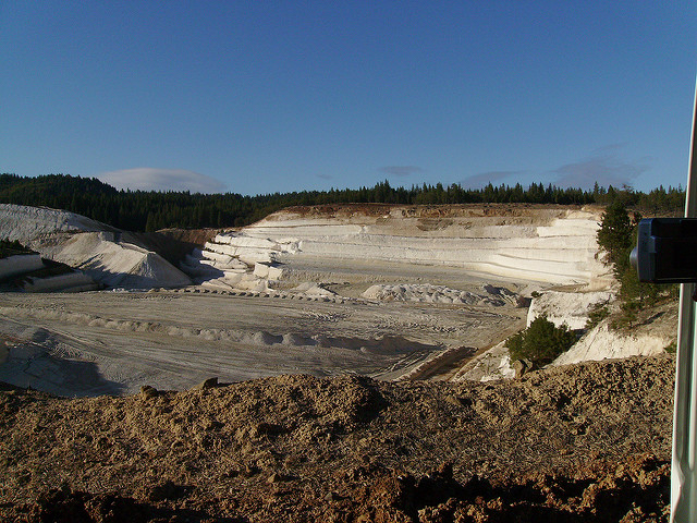 Alisha Vargas' Trip to Diatomite Mine