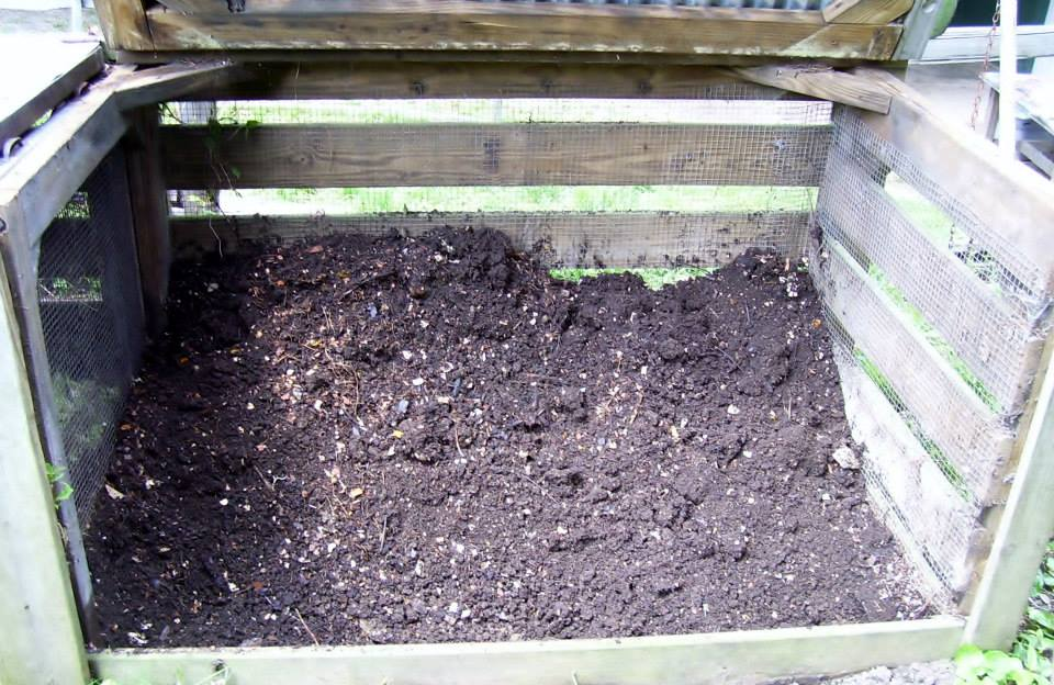 Roberts Flow Through Outdoor Vermicompost SystemPic 0012