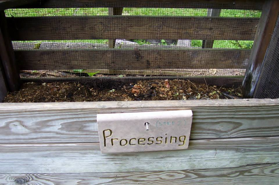 Roberts Flow Through Outdoor Vermicompost SystemPic 0006