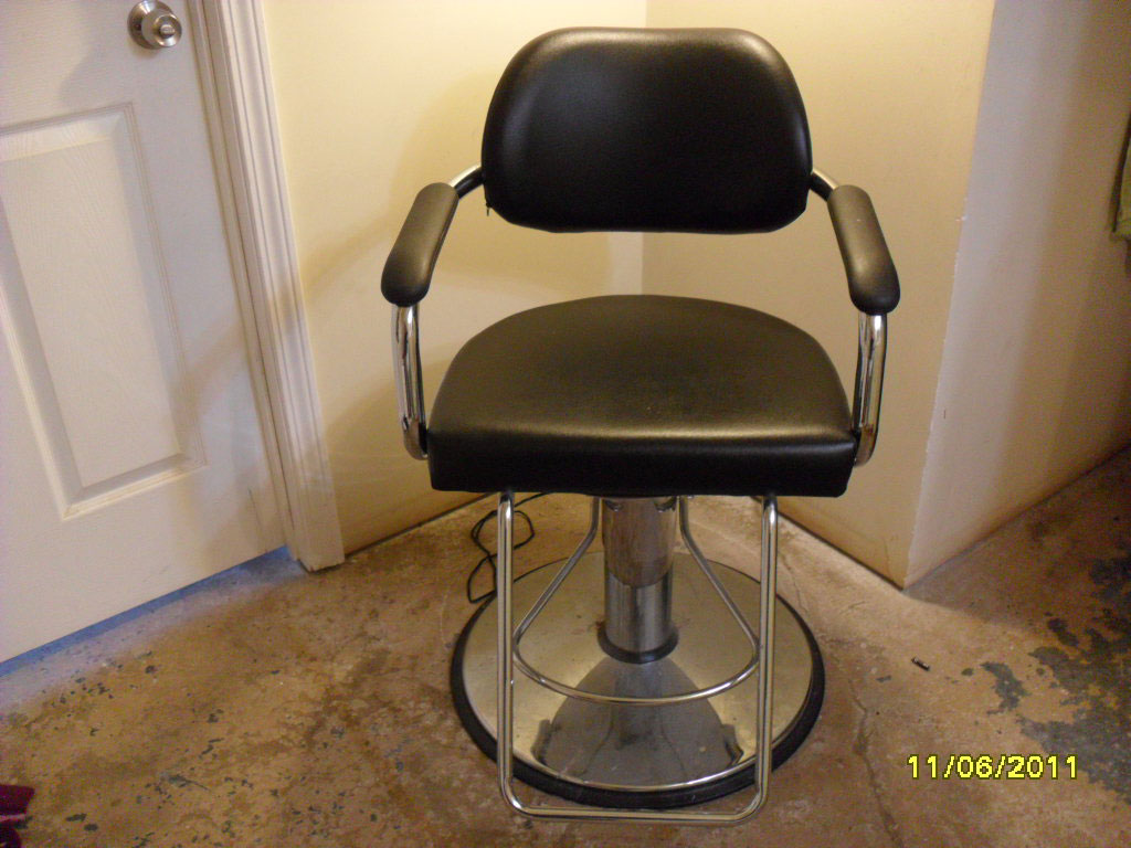 A salon chair from a really nasty trashout
