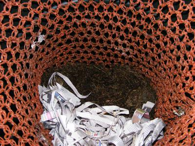 Garbage Can Worm Bins pic3