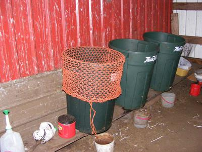 Garbage Can Worm Bins pic4